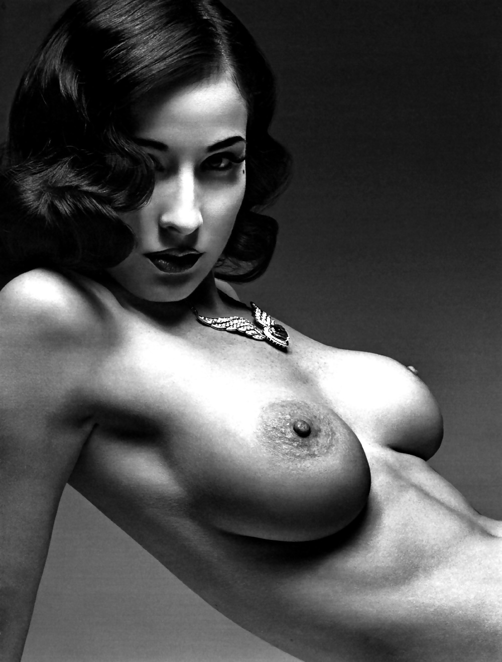 Free Preview Of Dita Von Teese Naked In Pin