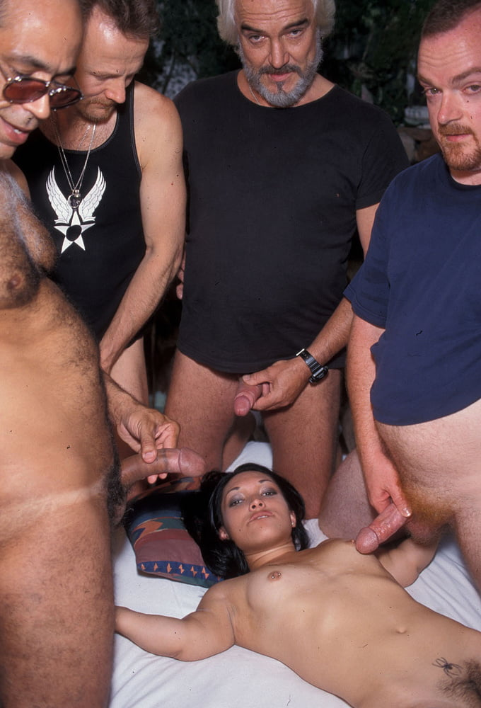 Midget porn pics, dwarf sex images, pygmy porno