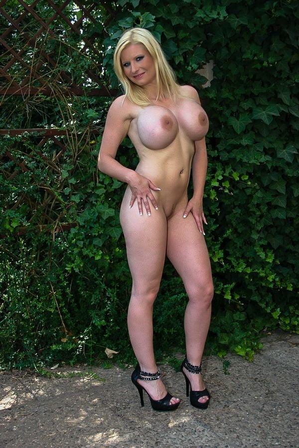 Melanie Moon Pornos