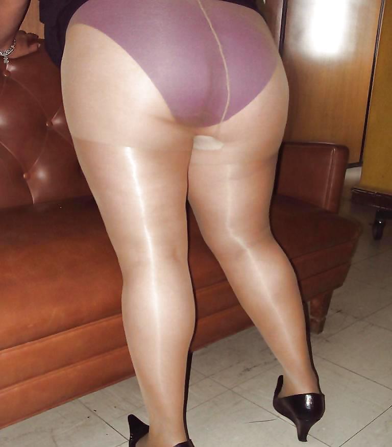 under pantyhose Panty