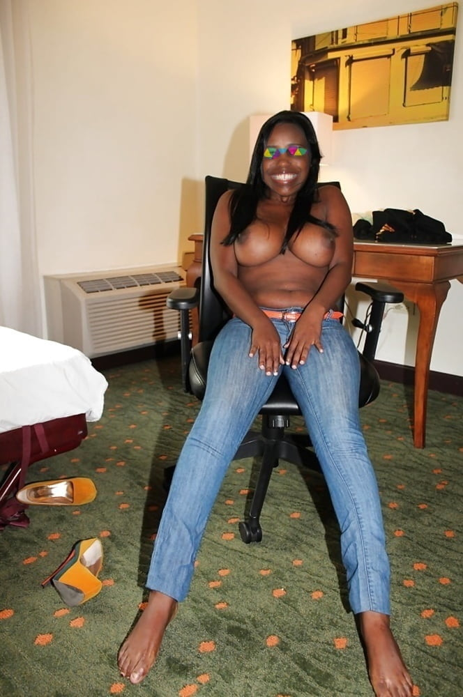 Ebony - 71 Pics