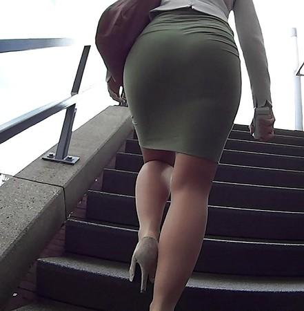 candid mature upskirt panty voyeur sexy ass booty pt