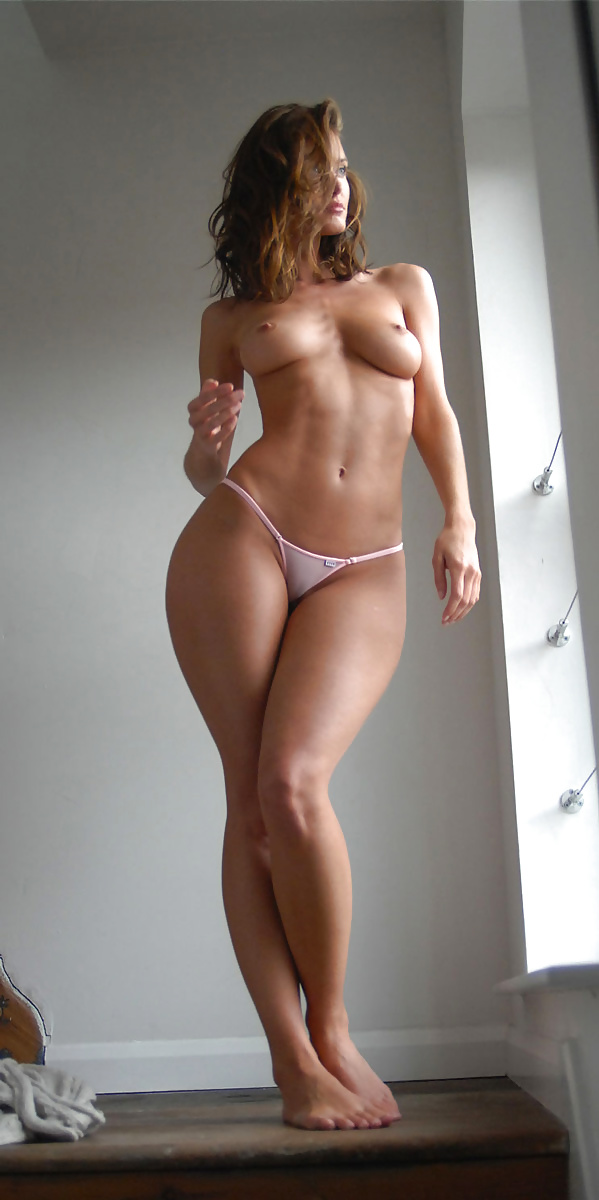 Nude women with wide hips