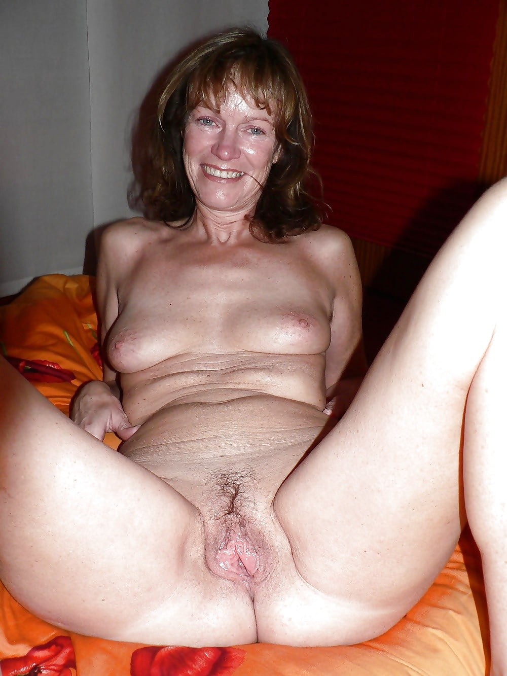 German amateur MILFs