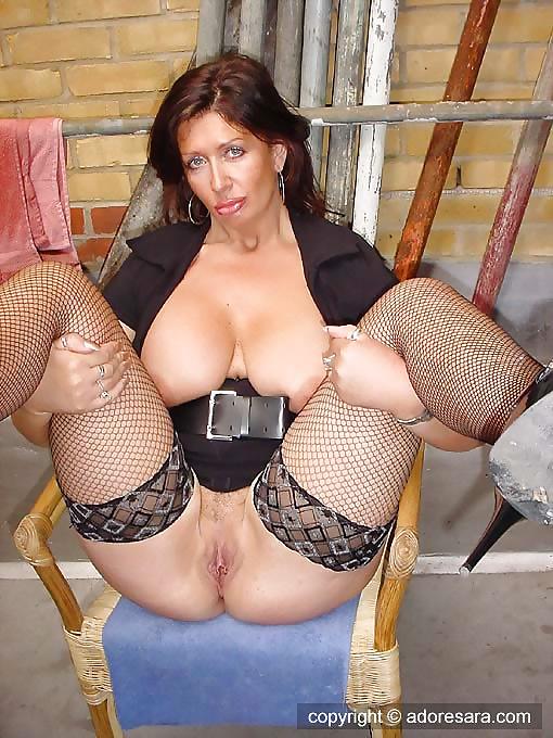 Big titted british milf sarah beattie fucks the handyman in ff stockings