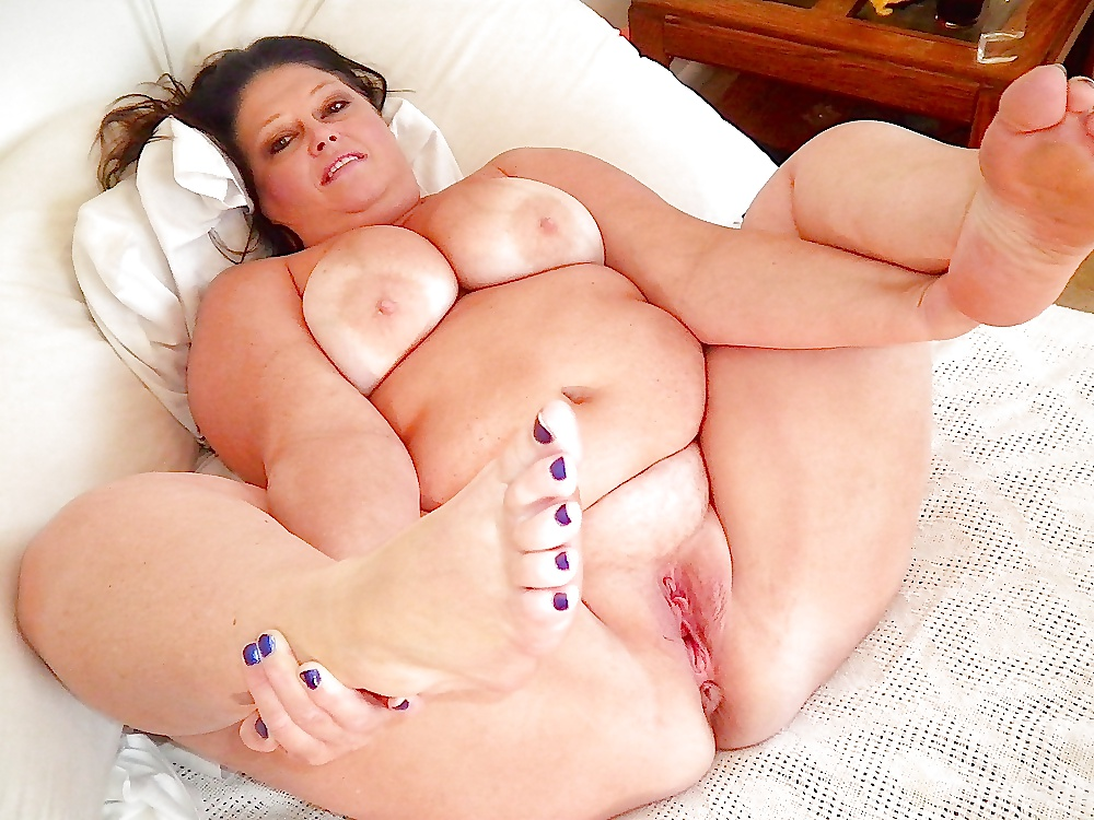 Big Fat Girl Masturbating