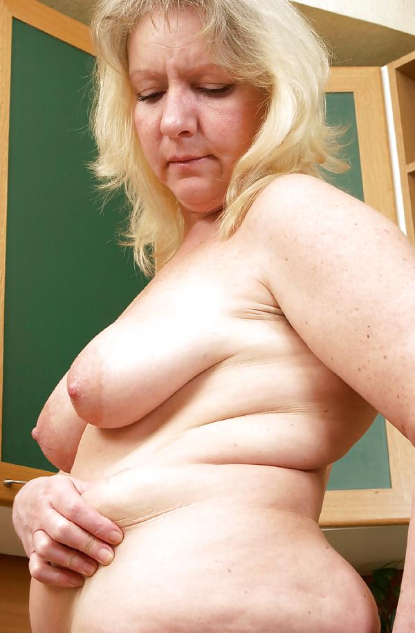 Mature tits mom-9631
