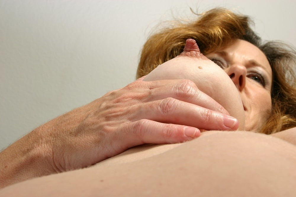 Mature mom small tits-2102
