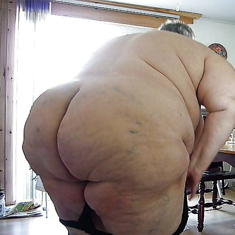 SuperSized BIG BABES - 8 Pics
