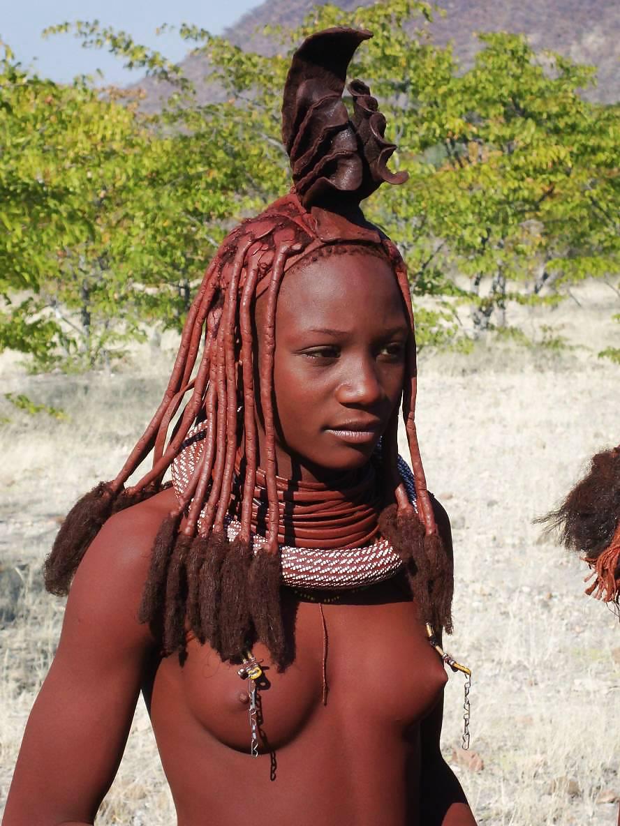 eroticheskie-foto-afrikanok-plemeni-masai-zhenshina-s-bolshoy-grudyu-i-chlenom-trahnula-podrugu
