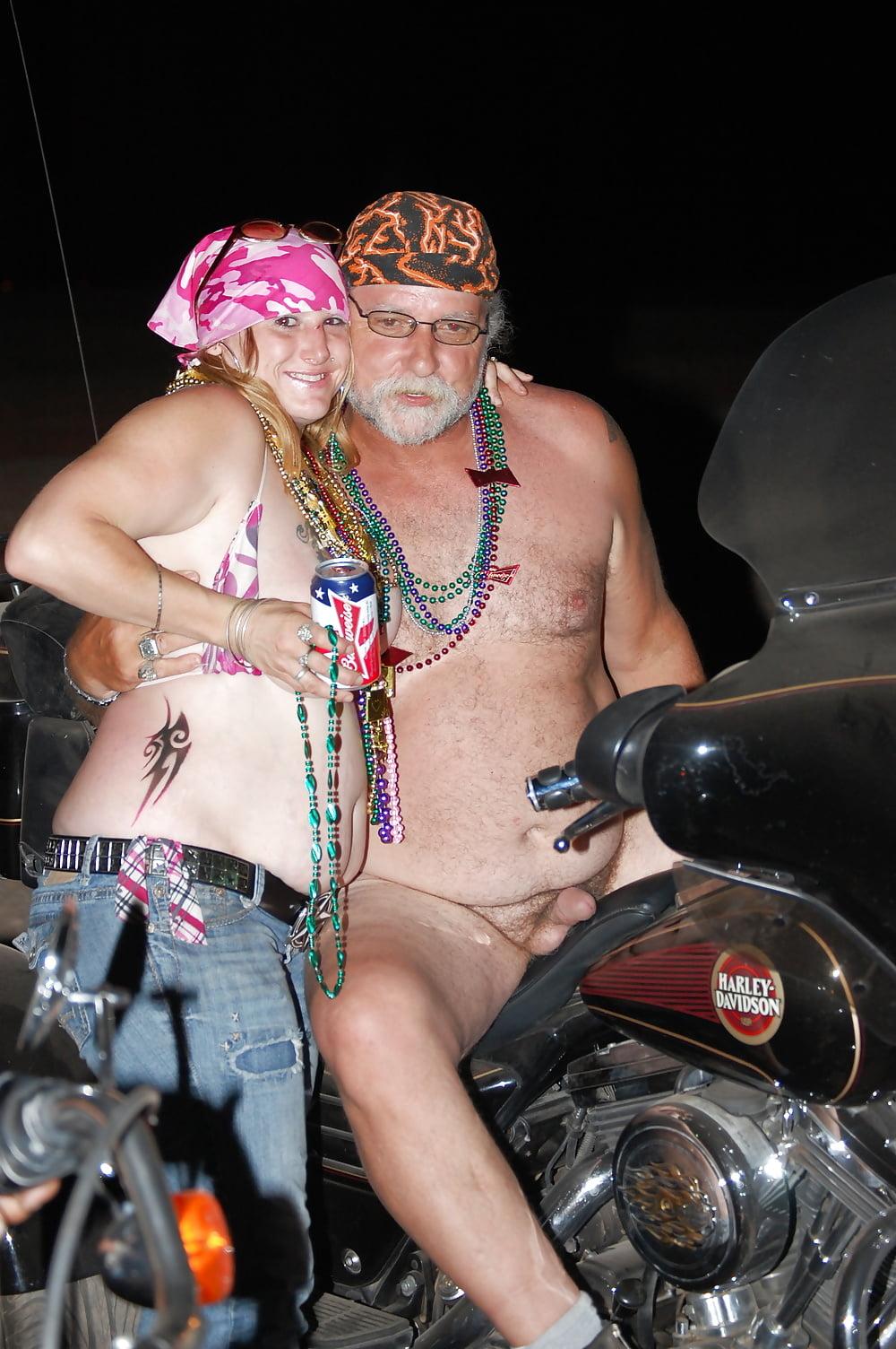 balls-nude-bikers-party