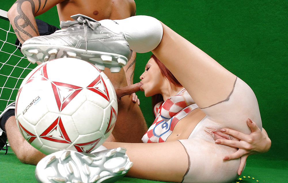 Married Premier League Footballer Imageed Having Foursome