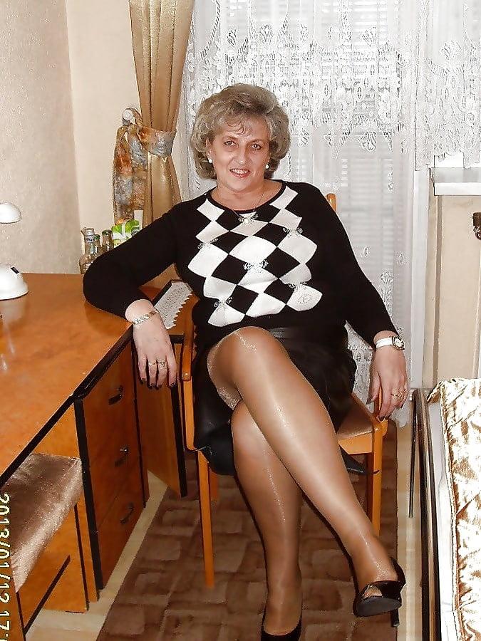 Pantyhose granny Voordat je