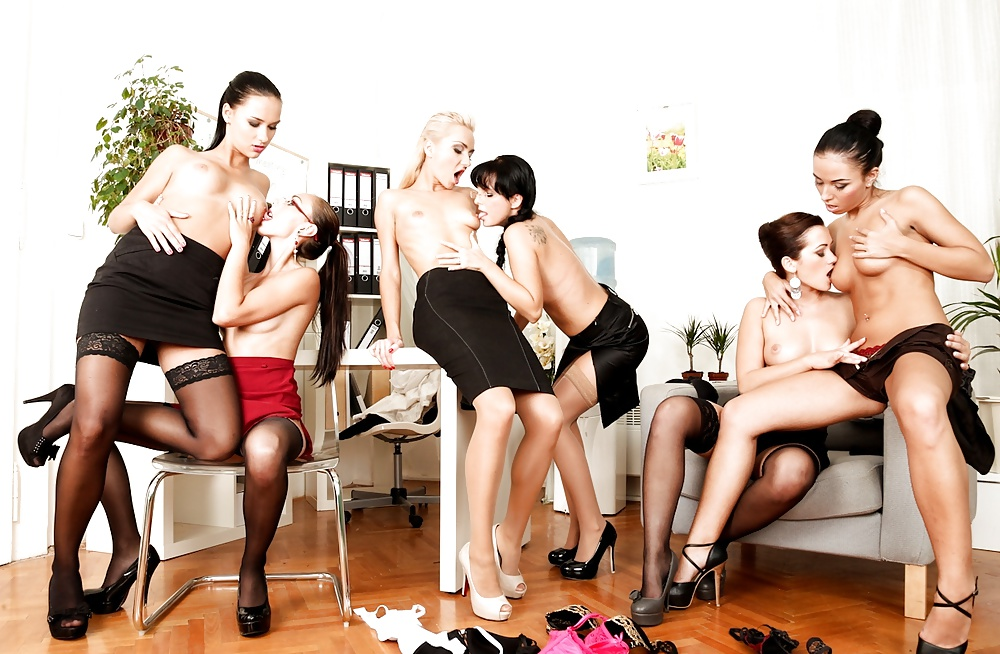 lesbian-foursome-orgy-in-office-videos