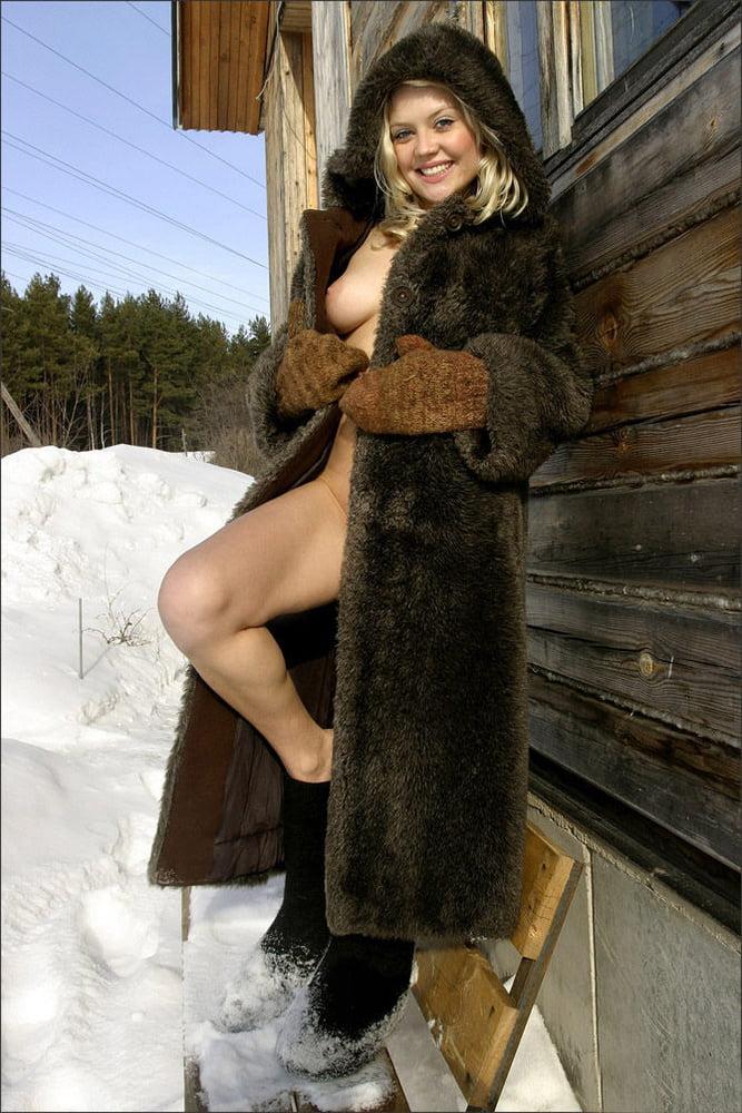 devushka-v-shube-erotika-samie-krasivie-rizhie-v-porno-video