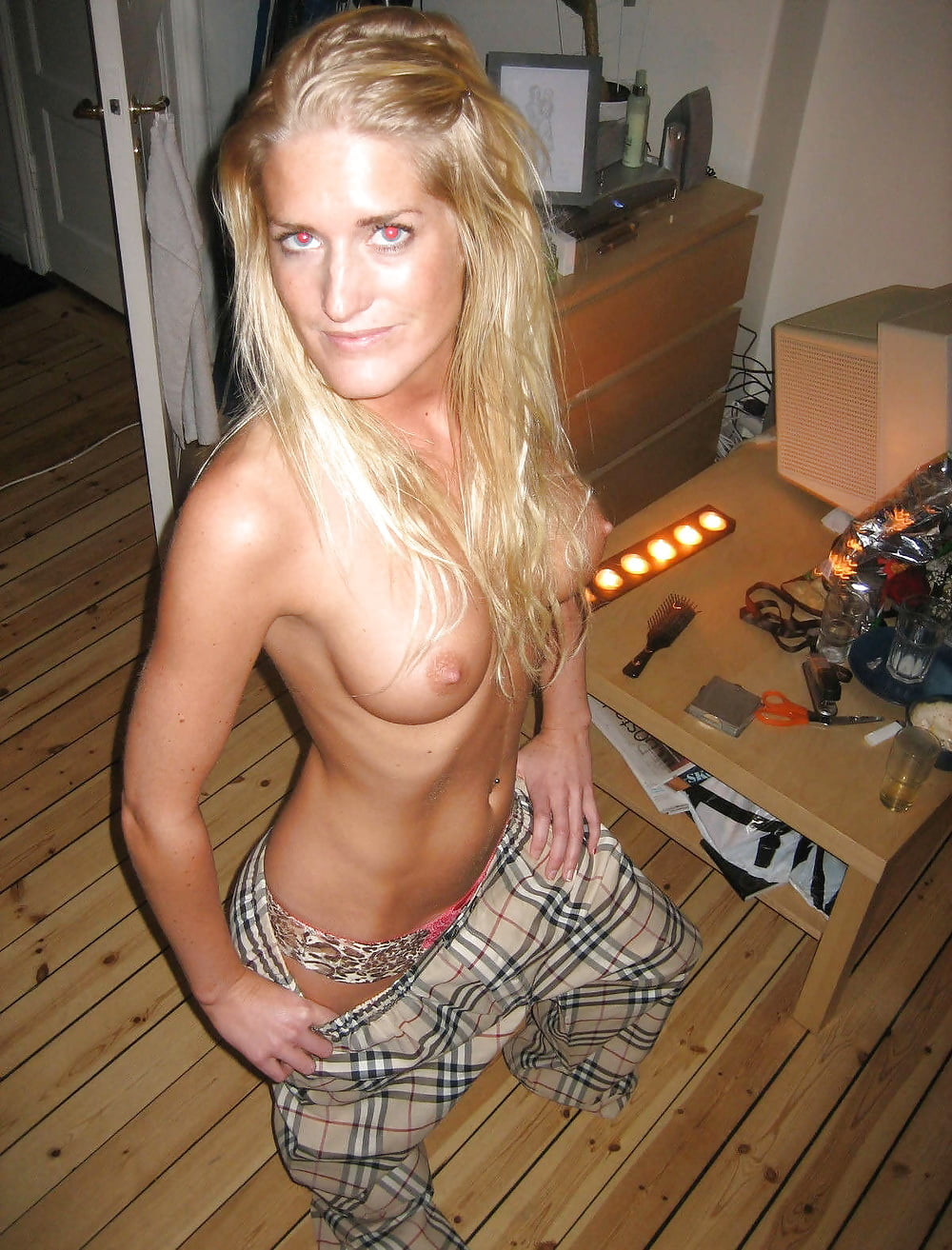 sister-sexy-norwegian-girls-nude-picture