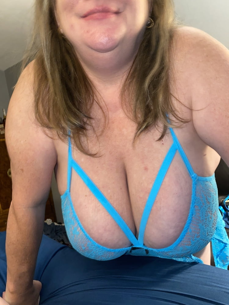 BBW wife wet pussy - 48 Pics