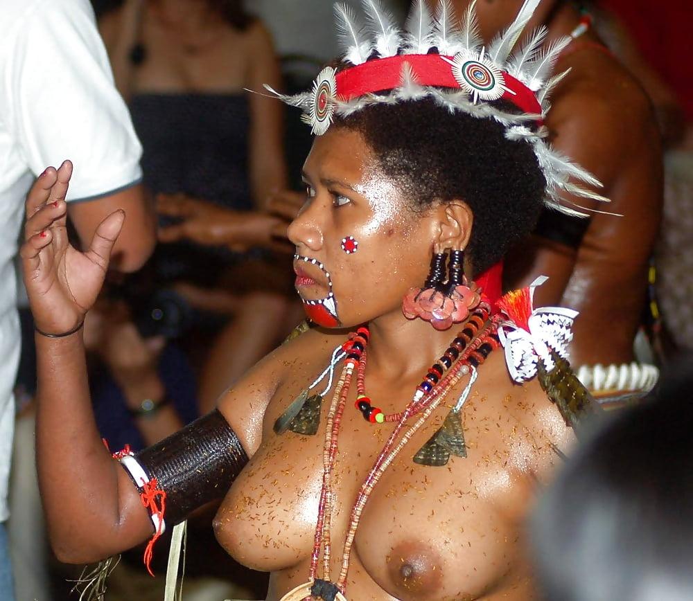 videos-erotic-nude-brazilian-tribal-martin