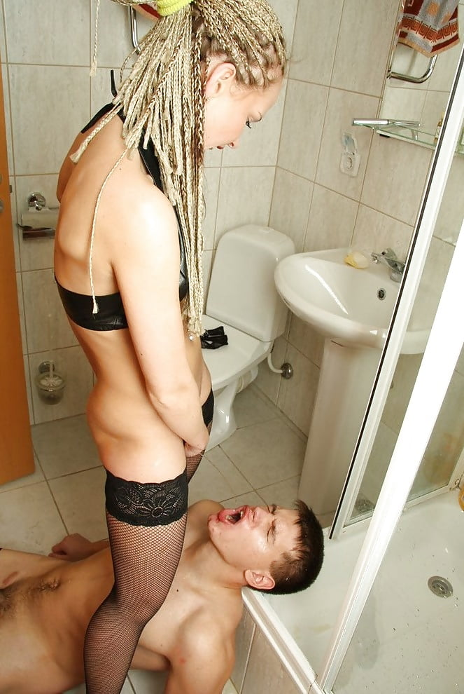 кунилингус в туалете картинки - 7