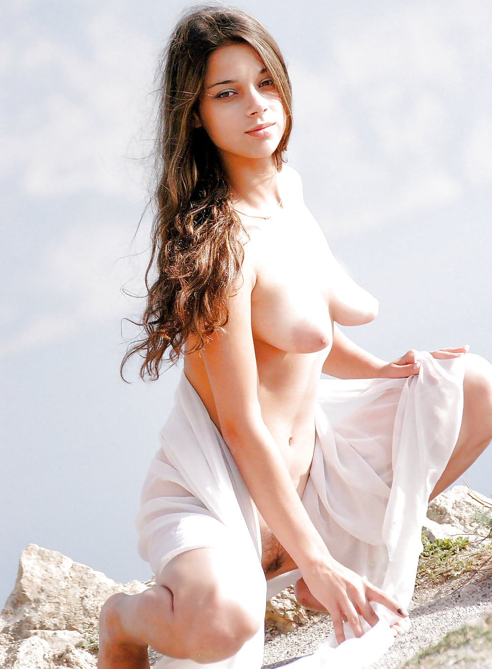 Sexy Lips And Lovely Eyes On The Naked Girl With The Perky Breasts