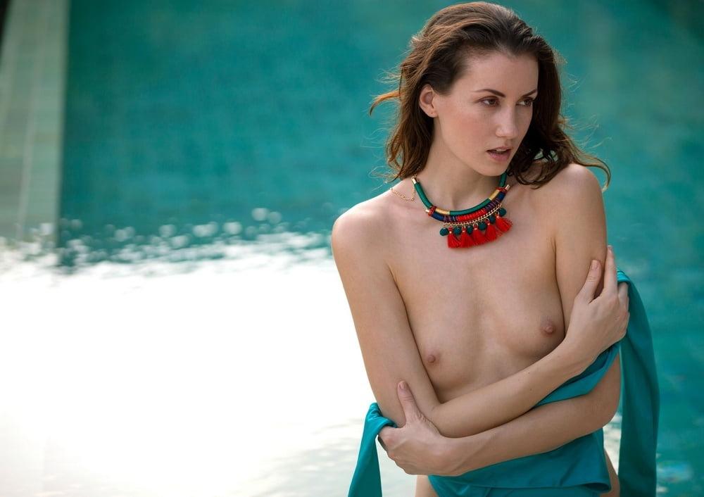 Mikaela McKenna 2 - 25 Pics