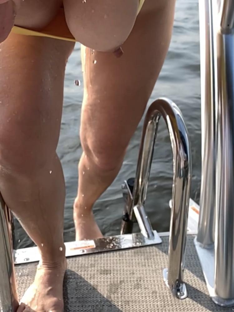 MILF very real nip slip- 10 Pics