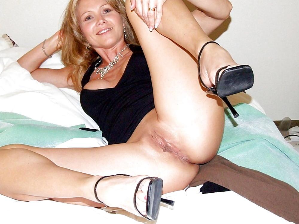 Milfs opening their legs