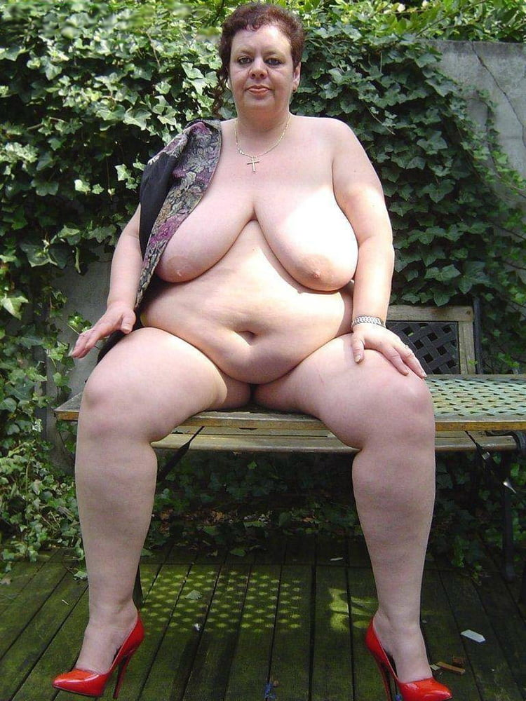 take-nude-amature-bbw-women-clitoris